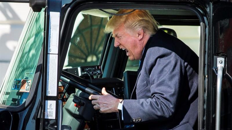 Los tuits del día. Donald Trump golpea a la CNN en Twitter