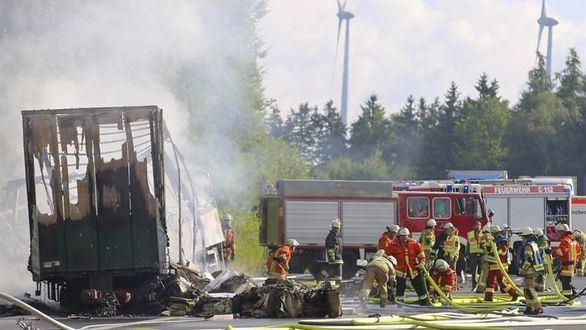 Desaparecidas 17 personas en Alemania en un accidente de autobús