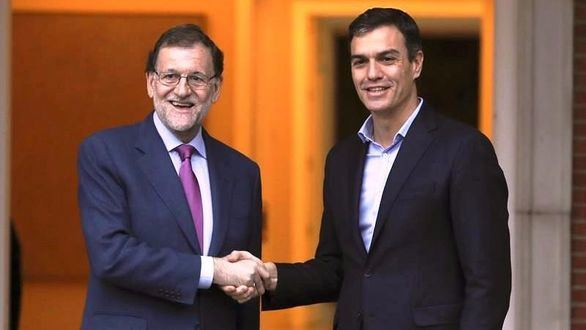 Rajoy y Sánchez acuerdan defender la Constitución