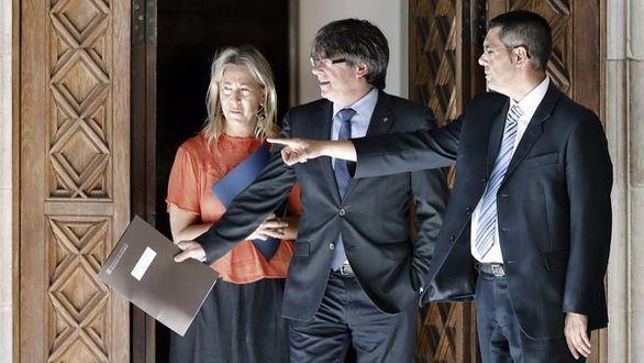 Puigdemont, a punto de asumir los impuestos de Hacienda
