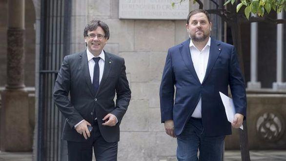 Funcionarios catalanes se muestran