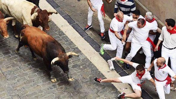 Sanfermines. Accidentado y apresurado encierro de los toros de Núñez del Cuvillo