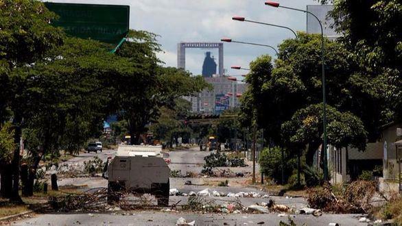 La embajada española en Caracas, atacada con cócteles molotov