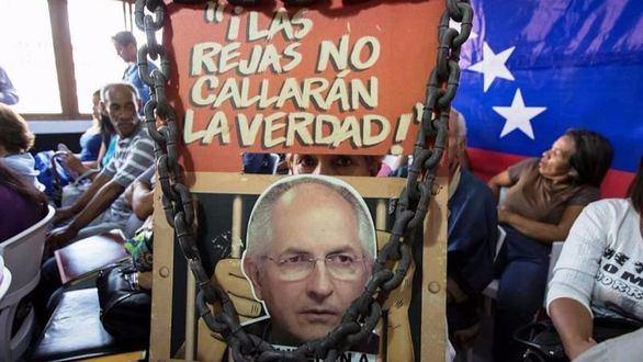 El opositor Antonio Ledezma, excarcelado, vuelve a arresto domiciliario