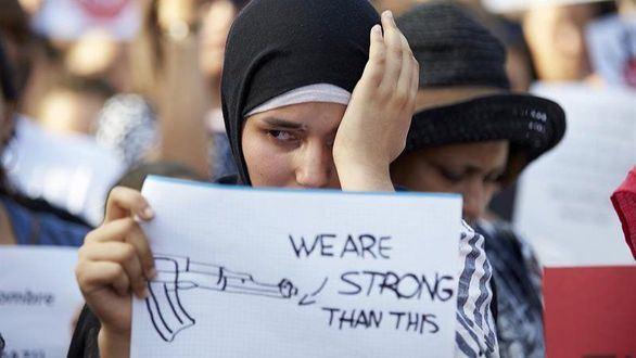 Varios jóvenes agreden a una mujer musulmana en Usera