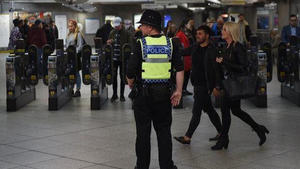 Londres baja la alerta terrorista a