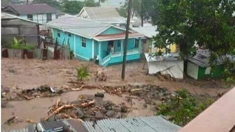 El huracán María arrasa Dominica y avanza hacia Puerto Rico