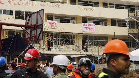 Alguien sigue vivo pasadas 72 horas del terremoto en México, pero no es Frida