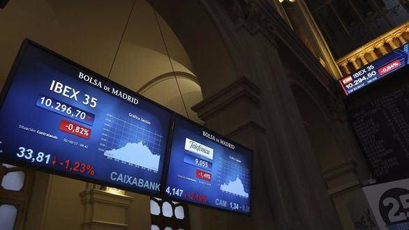 La banca se resiente en Bolsa tras el 1-O y la prima de riesgo se dispara