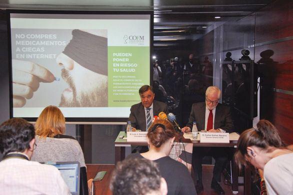 El COFM advierte de la venta ilegal de medicamentos en Internet