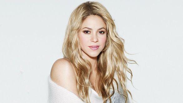 Shakira pospone su gira europea por el mal estado de sus cuerdas vocales