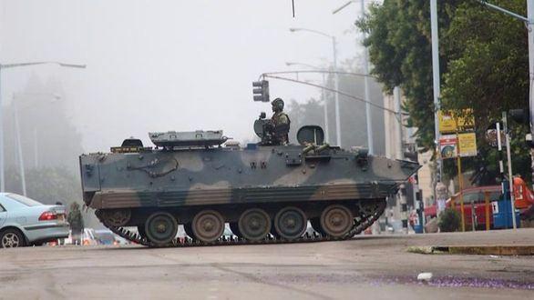 El Ejército toma Zimbabue y recluye al presidente Mugabe en su domicilio