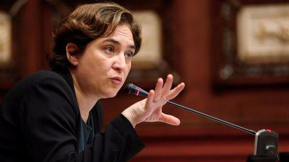 La alcaldesa Ada Colau cesa a los concejales del PSC en Barcelona
