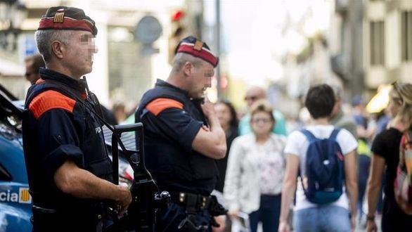 Mossos y Guardia Civil disparan a un hombre que gritaba en árabe