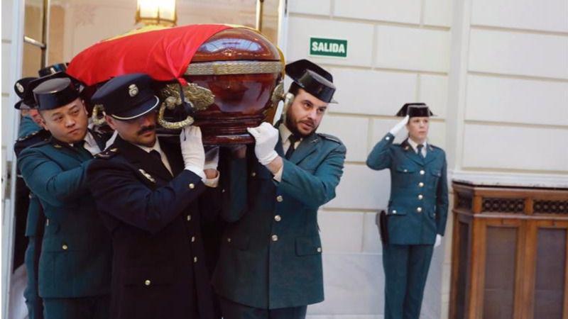 El Rey, el mundo de la Justicia y la política dan el último adiós al fiscal Maza