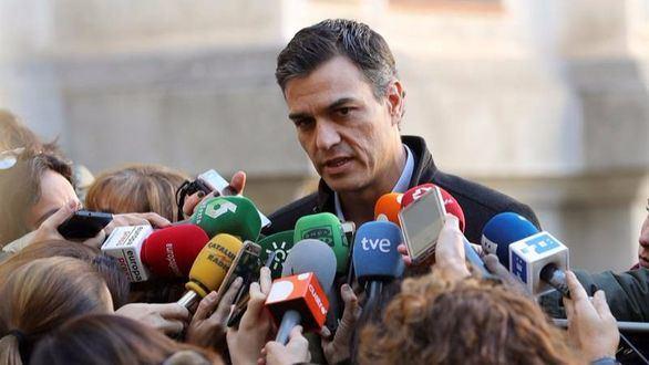 Sánchez calma a los barones y exigirá a Rajoy una nueva financiación