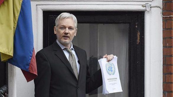Ecuador exige a Assange que deje de intervenir en la crisis catalana