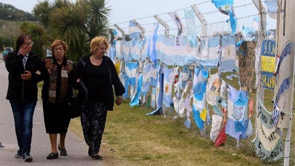 Argentina da por muertos a los 44 tripulantes del submarino desaparecido