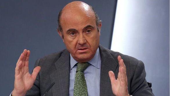 El ministro de Economía, Luis de Guindos, durante el Consejo de Ministros de este lunes