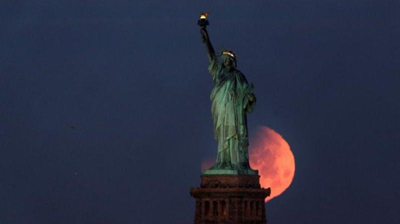 Así ha sido el eclipse de superluna azul: un triple fenómeno astronómico