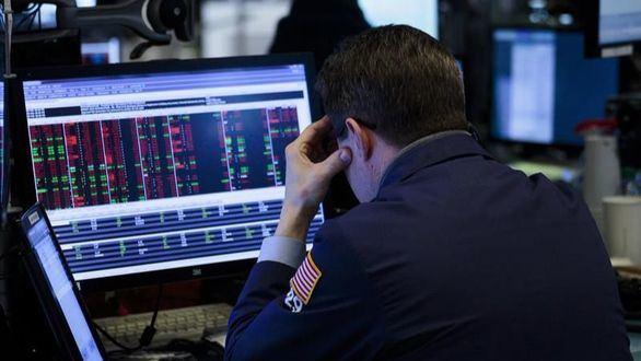 El Ibex cierra con una caída del 2,53 % tras el desplome de Wall Street