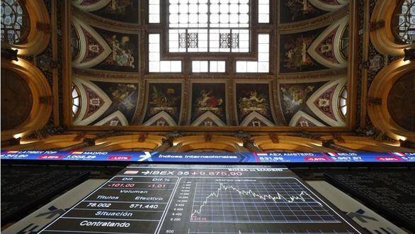 El IBEX cae a niveles de hace casi un año arrastrado por los bancos y Wall Street