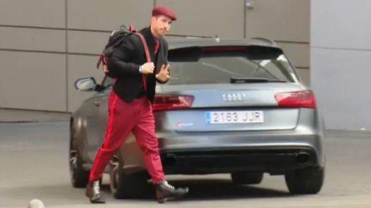Los tuits del día. Las redes se ríen del nuevo 'look' de Sergio Ramos