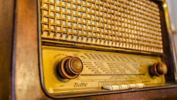 Cinco momentos históricos de los que la radio fue testigo, y vocera