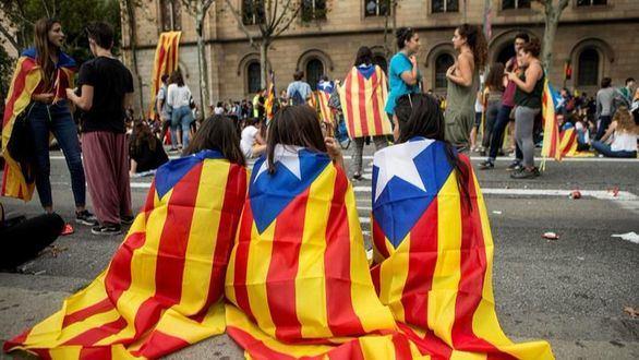 Rajoy confirma que Educación estudia poder escoger las clases en castellano