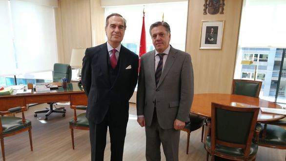 José María Alonso traslada a la APM las propuestas de la Junta de Gobierno para mejorar el ejercicio del derecho de defensa