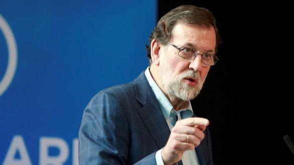 Rajoy critica la propuesta del PSOE para revalorizar las pensiones: