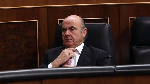Rajoy relevará a De Guindos en una semana y no hará más cambios