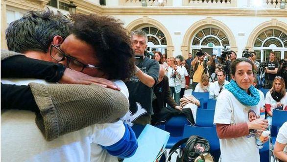 La madre de Gabriel Cruz observa a su expareja abrazado a Ana Julia Quezada