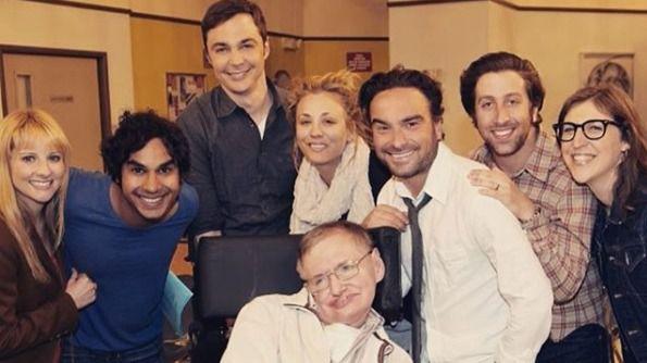 Los tuits del día. El reparto de The Big Bang Theory da su adiós a Hawking