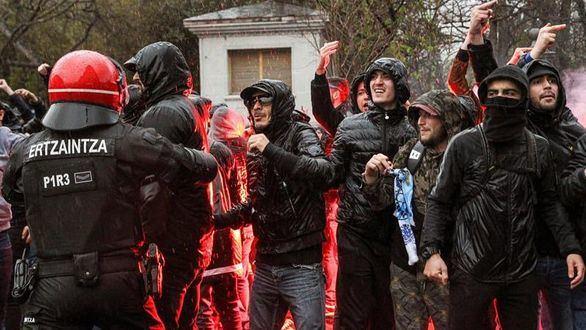 Ultras del Marsella apuñalan a dos guardias en San Mamés