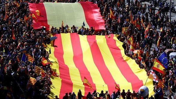 Los constitucionalistas toman Barcelona en una manifestación