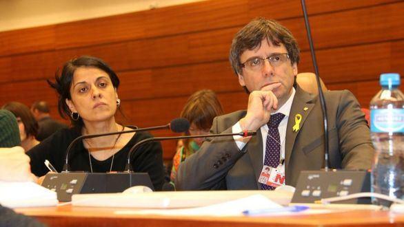 Anna Gabriel y Carles Puigdemont, este lunes, en Ginebra.