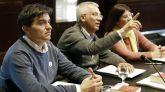El portavoz de ERC, Sergi Sabrià (i) y Josep Maria Forné de JxCat (c) al inicio de la reunión de la Junta de Portavoces del Parlament.