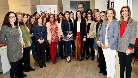 Doña Letizia se interesa por la labor de Fundación Integra y visita sus instalaciones
