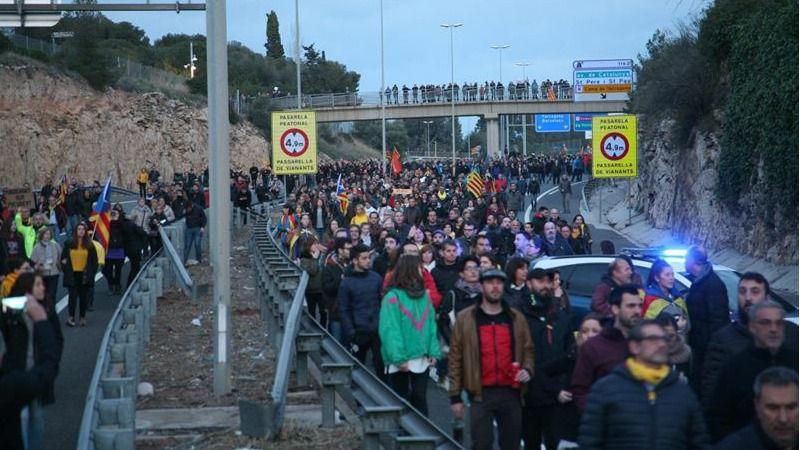 d47bc8a31b Los independentistas preparan algaradas y una huelga general