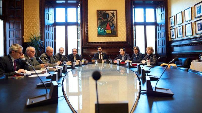 La mesa del parlament acepta que puigdemont delegue su for Mesa parlament