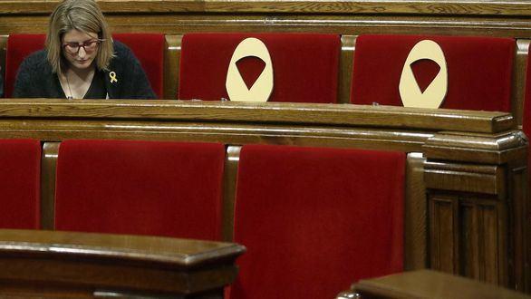 El Parlament desoye al TC y acepta el voto delegado de Puigdemont