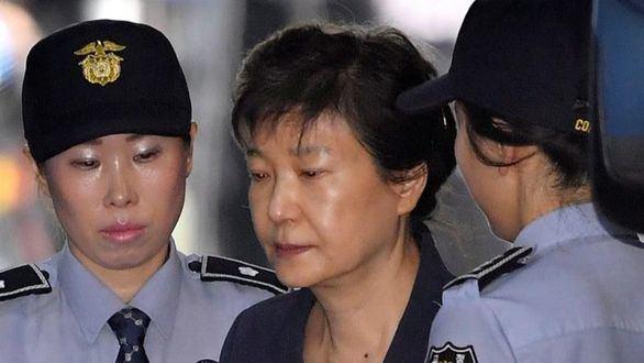 Condenada a 24 años de prisión por corrupción la expresidenta surcoreana