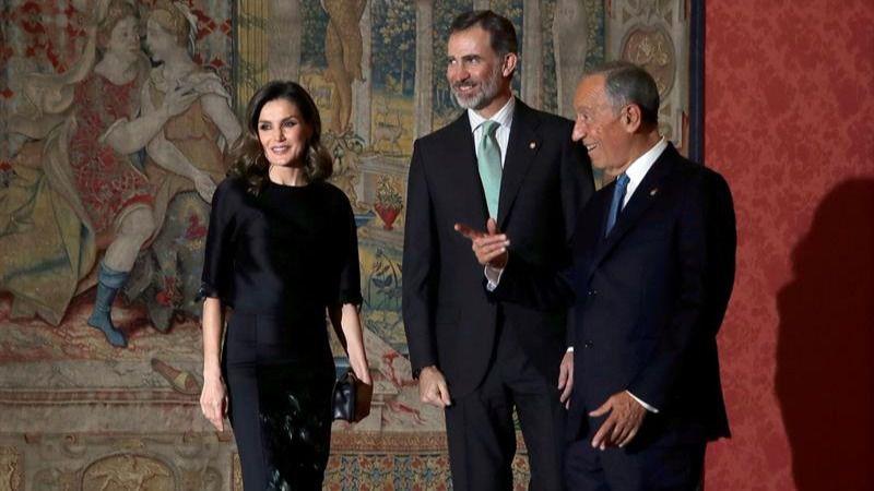 Más de 400 invitados en la recepción ofrecida por el presidente luso a los Reyes