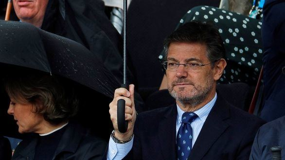 Asociaciones de jueces y fiscales exigen la dimisión de Catalá por su