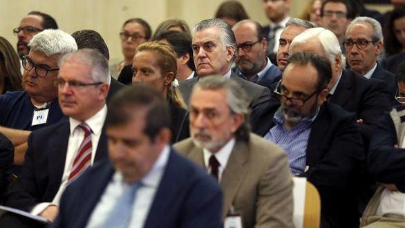 Correa, condenado a 51 años; Bárcenas, a 33 y el PP, por la caja B