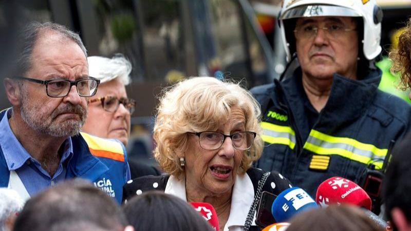 Carmena pide legalizar el trabajo temporal de los 39 sin for Trabajos en barcelona sin papeles