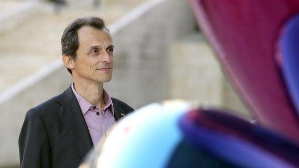 Pedro Duque, ministro de Ciencia, recurre a Forges