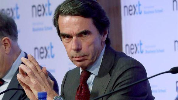 Aznar se postula para unir al centro-derecha tras la dimisión de Rajoy