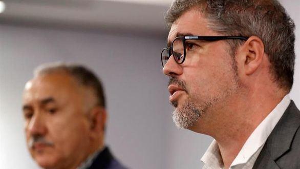 Los secretarios generales de UGT y CC.OO, Pepe Álvarez (i) y Unai Sordo (d).